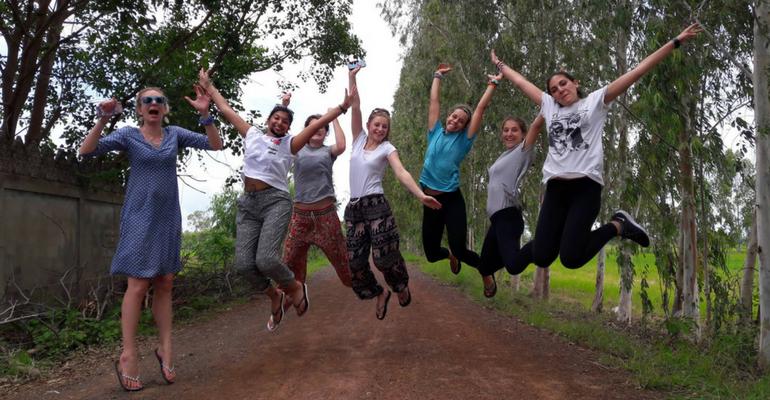 under 18 volunteer abroad